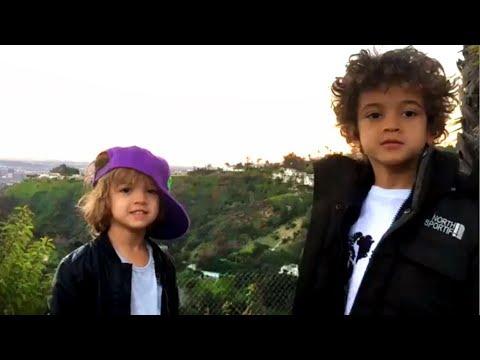 Los hijos de Nacho cantan y tocan música en las redes sociales
