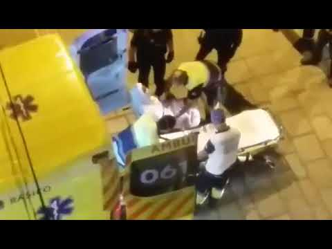 Sacan a un vecino de Torrelavega herido por su compañero de piso tras una pelea