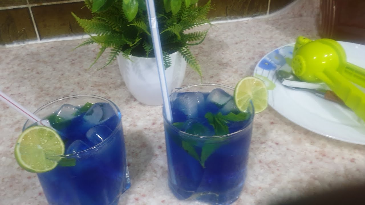Refreshing  blue drink / blue soft drink