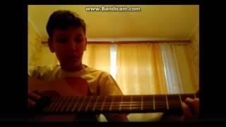 Как играть 2 песни из кухни(на гитаре)