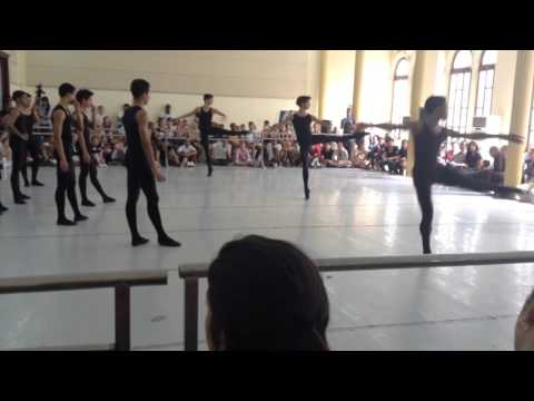 "Amazing turns a la seconde. Cuban National Ballet School ""Fernando Alonso"""