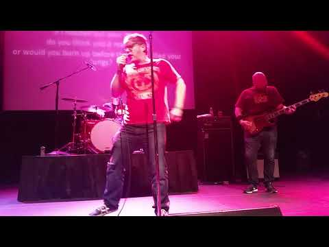 """Me singing Saves the Day's """"At Your Funeral"""" at Pop-Punk Karaoke"""