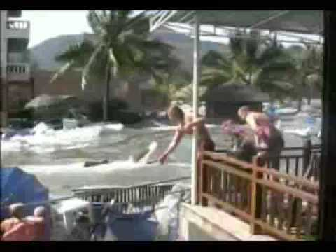 raw-tsunami-video-phuket-thailand-2004
