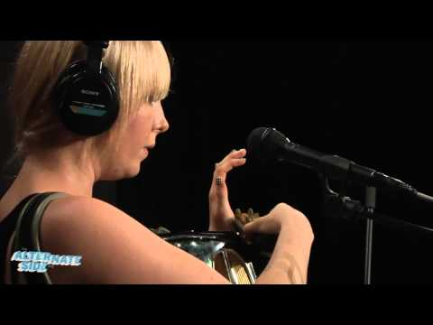 """The One AM Radio - """"In a City Without Seasons"""" (Live at WFUV)"""
