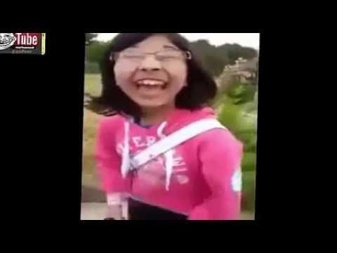 فتاة تقلد ضحكة نقار الخشب  اضحك من قلبك