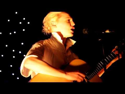 Laura Marling - My Manic & I [HD}