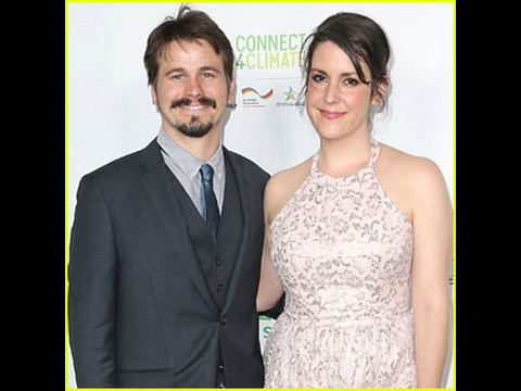 Jason Ritter & Melanie Lynskey Are Engaged!