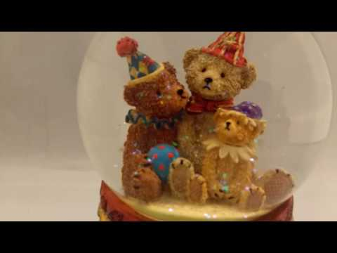 Vintage Rear 3 Bears Musical Water Snow Globe