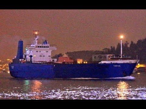 Cận cảnh Tàu chở Khí tài Nga qua biển Bosphorus