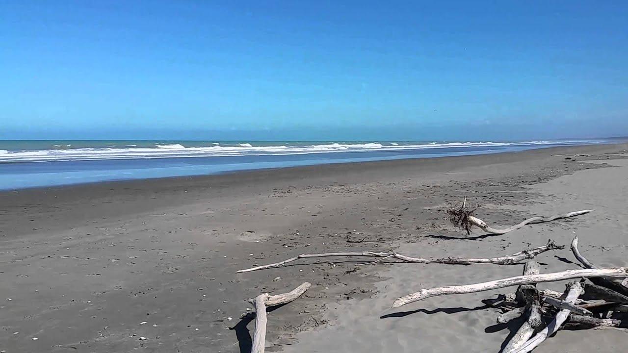 Waikuku Beach - South Island, New Zealand - YouTube Wailuku Beach