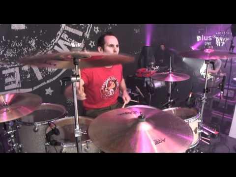 Simple Plan - Addicted [Live]