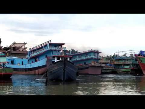 how to park boats in Indonesia