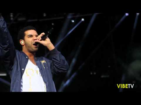 """Drake Performs """"Underground Kings"""" @ The Made In America Festival"""