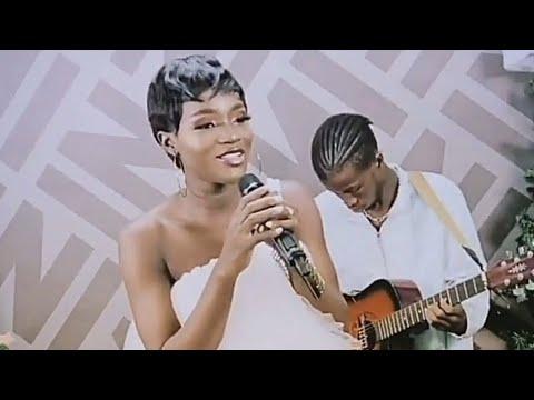 Download Bukunmi Oluwashina Song _ Beautiful Song Performance.