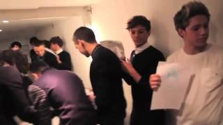 One Direction Drawing Each Other! ♥