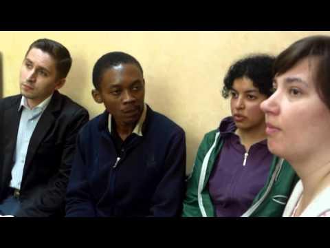 Nu are cine traduce pentru un solicitant de azil din Africa - Curaj.TV