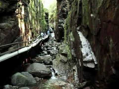 Flume Gorge at Franconia Notch NH Keep small 4 best Viewing