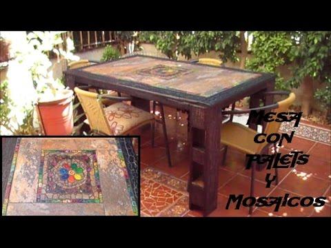 Como hacer una mesa con palets y mosaicos con loc youtube for Living comedor con palet de madera