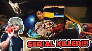 FUI TROLLADO COM UM SERIAL KILLER NA MINHA CASA!!!