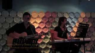Merry Bees - John & Cal singing popular songs (Singapore Live Band)