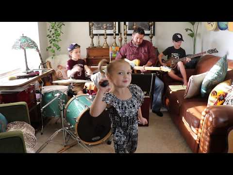 "Colt Clark and the Quarantine Kids play ""Come Together"""