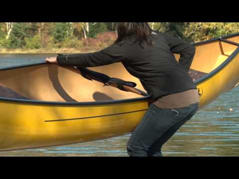 How to lift your canoe to carry it on the portage