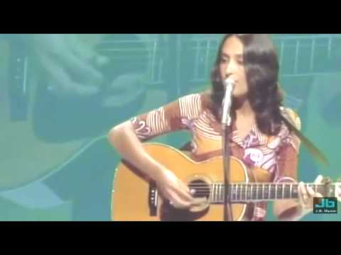Joan Baez The Night They Drove Old Dixie Down Youtube