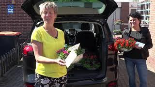 Zelfstandig wonende ouderen in Lemelerveld verrast met bloemen