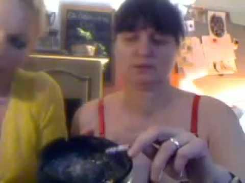 Mom surprises daughter in her houseKaynak: YouTube · Süre: 21 saniye