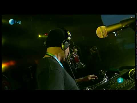 Cypress Hill - Eric Bobo Vs. Julio G - Rock In Rio Madrid 2010 HQ