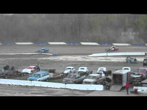 Cayuga County Fair Speedway Modified Heat 5/1/2011
