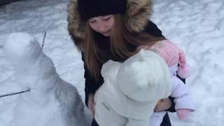 Каникулы в Павлово. Проводим с девочками классный час в 3-А классе. Гуляем на детской площадке.
