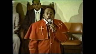 Rev Paul Morton singing God