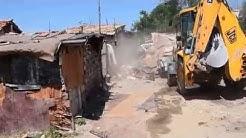 """Moreto.net - Събаряне на незаконни постройки в """"Гъбената махала"""" 2- Варна"""