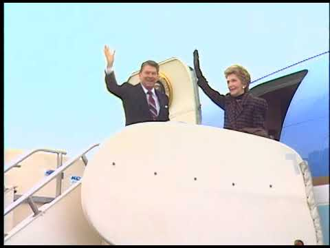 President Reagan and Nancy Reagan Depart Palm Springs on January 3, 1988