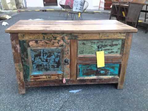 Meubles en bois de bateaux recycl s fabriqu s en inde for Decoration sur meuble en bois
