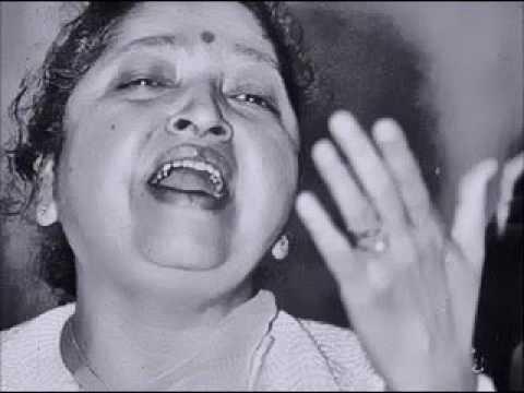 Pandita Dhondutai Kulkarni  talks in Marathi about her Music.9