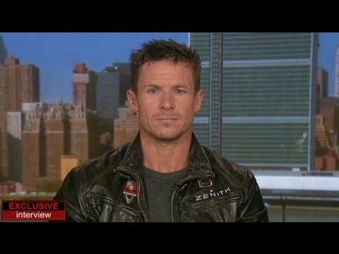 """euronews interview - """"No ha sido una proeza, ha sido un reto científico"""", Felix Baumgartner, el primer paracaidista..."""