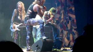 Tony Romo sings with STEEL PANTHER in Dallas