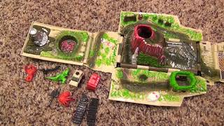 Hot Wheels Adventures Jungle Ranger Two-in-One Playset with Exploding Bridge Volcano Dinosaur