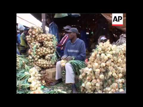 Market traders suffer decline in sales, Mugabe visits agric show