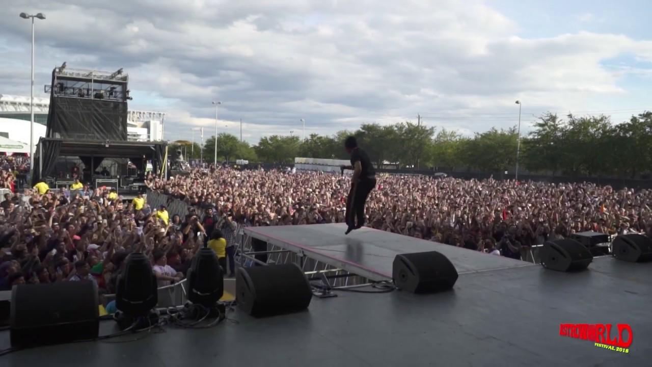 Download Trippie Redd - Dark Knight Dummo (Live)