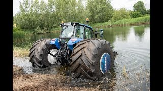 New Holland Sea Horse dives into lake - ONBOARD