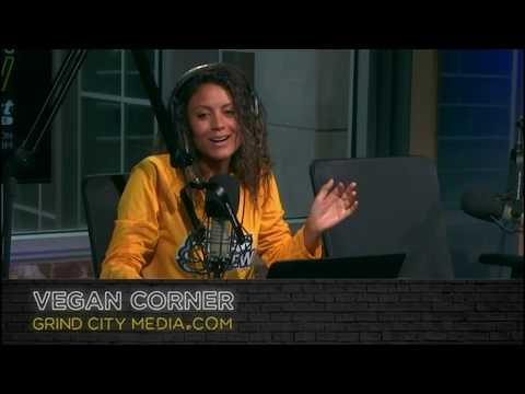 Vegan Corner: Parker House Rolls w/ Onion and Lardo from the Gray Canary - 11.28.18