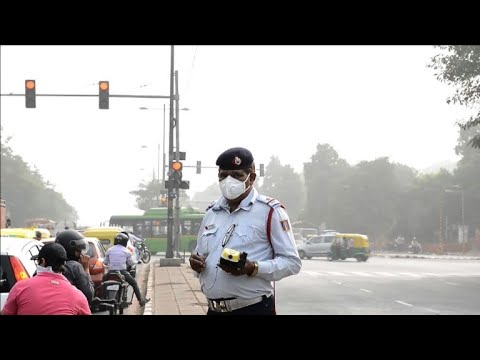Doctors warn of health emergency as smog blankets New Delhi