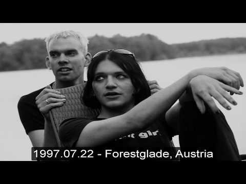 Placebo - Dark Globe (1997.07.19 -  Forestglade Festival, Wiesen, Austria)