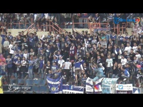 Suasana Pertandingan PSIS VS Persija Di Stadion Sultan Agung Bantul
