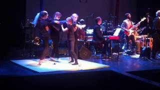 """Help - Johannes' sjongleringsnummer juggling kids circus show on Beatles """"Love"""""""