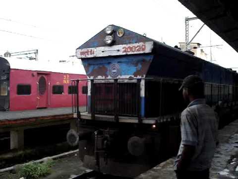 Indian Railways..WDP4 Coupling