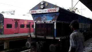 Indian Railways..WDP4 Coupling